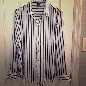 Forever 21 black and white button-down size Med